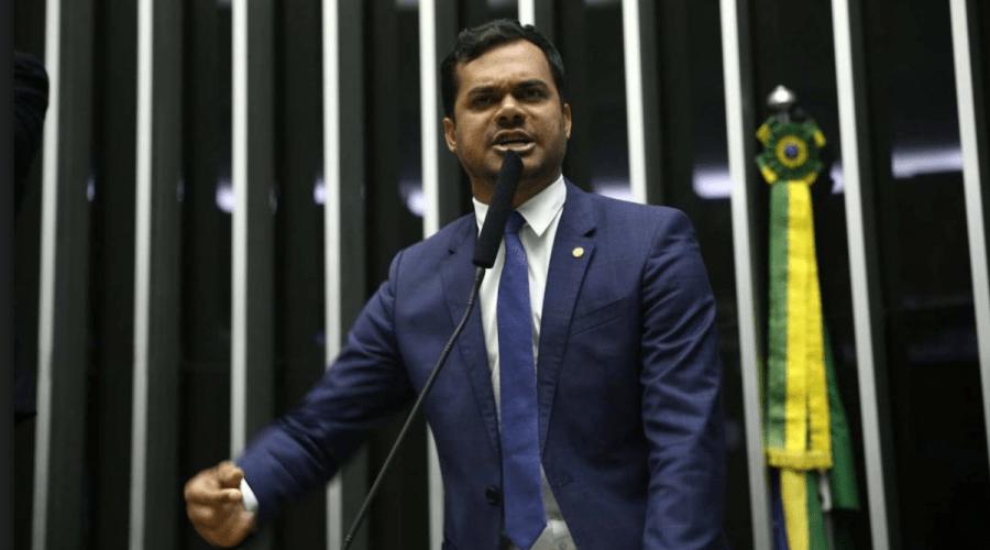 """Expedito Netto atinge a """"maioridade"""" política ao defender temas polêmicos"""