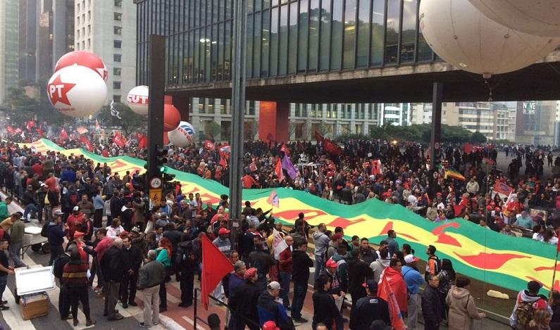 Manifestantes protestam contra o governo Temer e em defesa de Lula em SP