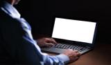 Bancário demitido por justa causa deve destruir arquivo com dados de clientes