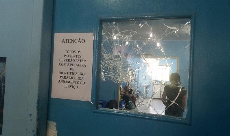 Paciente quebra vidros e computador de UPA por demora no atendimento médico em Porto Velho
