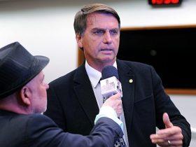 Jair Bolsonaro condede entrevista - Crédito da imagem - Billy Boss/Câmara dos Deputados