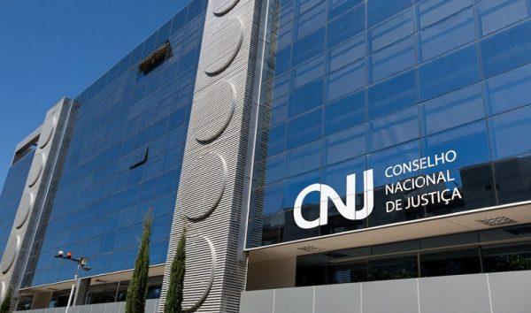 CNJ pune com aposentadoria juiz acusado de receber propina