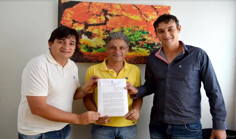 Cleiton Roque destina R$ 258 Mil para iluminação pública de Parecis