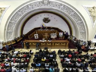Constituinte de Maduro assume poderes do Congresso da Venezuela
