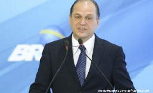 Ministro da Saúde anuncia que deixará o cargo para disputar eleições
