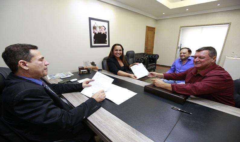 Rosângela Donadon assegura mais de R$ 2 milhões para Vilhena e Pimenteiras, com apoio de Maurão