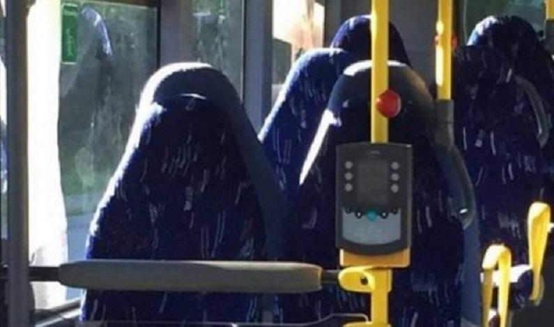 Bancos de ônibus são confundidos com mulheres de burca em post de grupo anti-imigração