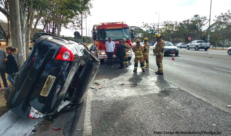Carro com filho de Michel Temer capota no DF; acidente não deixou feridos