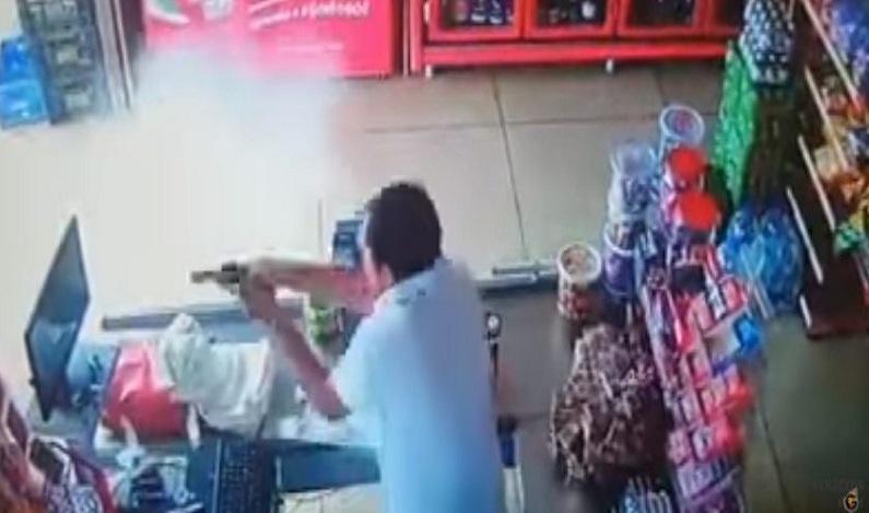 Comerciante mata dois assaltantes após reagir a roubo em Goiás; vídeo