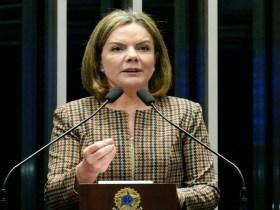 Gleisi Hoffmann critica Polícia Federal e se defende de acusações