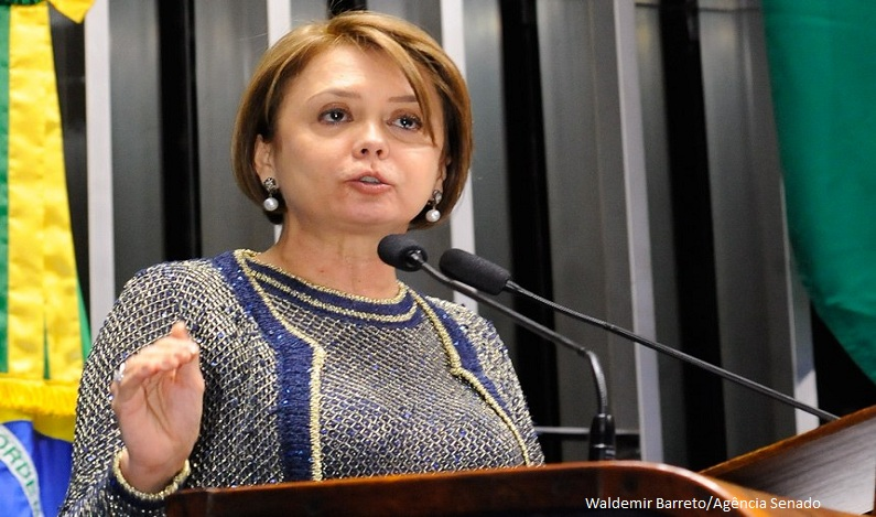 Senadora acusa Temer de colocar o ajuste fiscal na conta dos pobres e dos servidores públicos