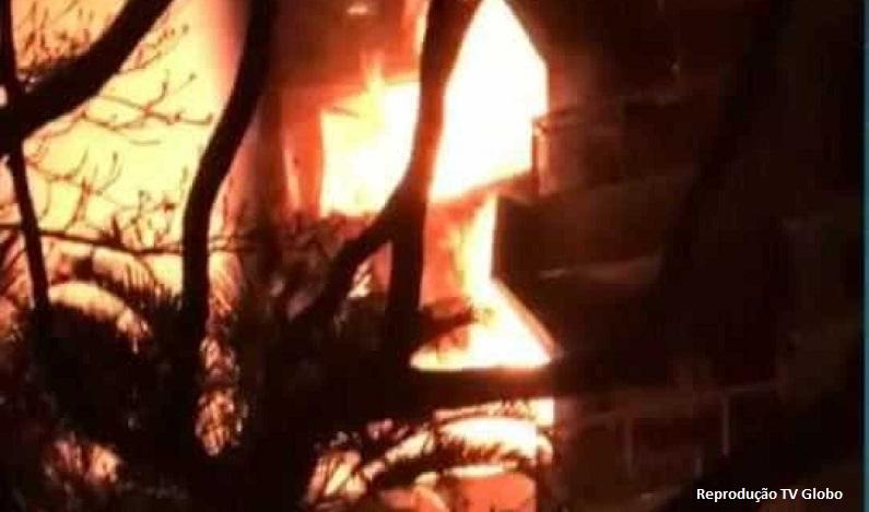 Prédio no Leblon é atingido por incêndio na madrugada desta quinta