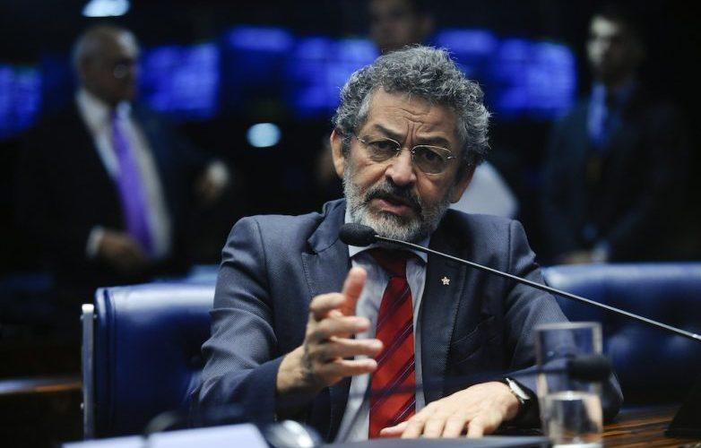 """Senador Paulo Rocha protocola decreto legislativo contra """"tragédia irreversível à Amazônia"""""""