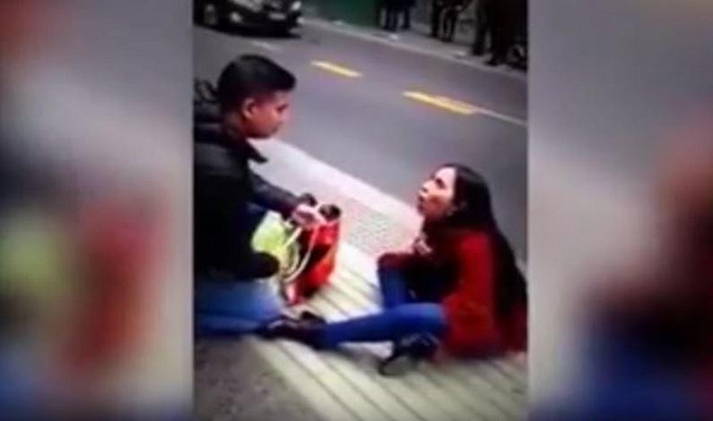 Mulher pede homem em casamento, mas acaba literalmente no chão; veja vídeo