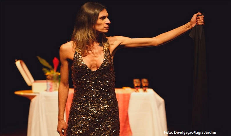 Peça retrata Jesus como mulher trans e lota teatro no Cena Contemporânea, no DF