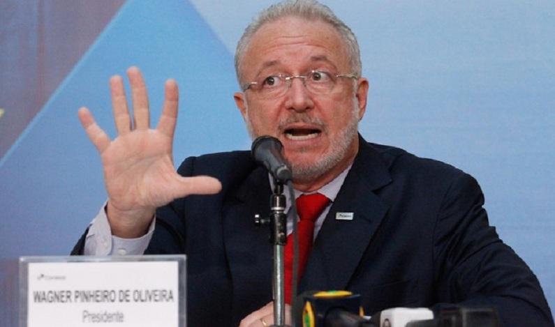 Ex-chefe dos Correios é denunciado por aceitar viagem de empresa de mídia