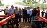 Edson Martins entrega equipamentos agrícolas para o município de Cerejeiras