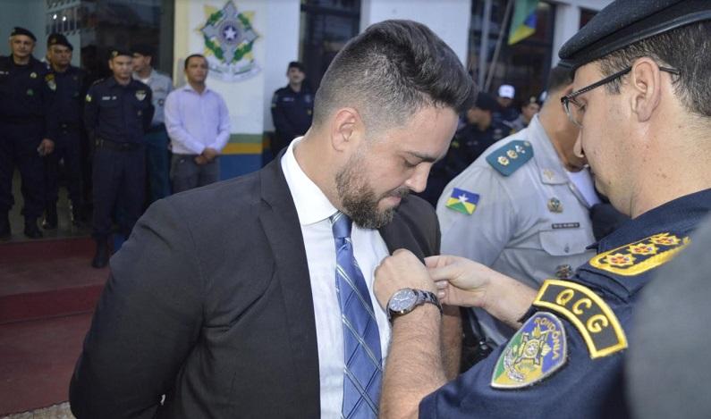 Léo Moraes prestigia troca de comando do Batalhão Rondon e recebe homenagem