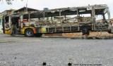 Bandidos invadem ônibus e forçam motorista a dirigir até penitenciária, em BH
