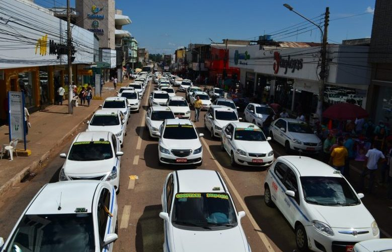 Taxistas de quatro estados protestam contra projeto de senador rondoniense