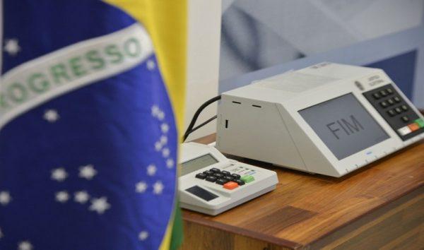 Quem perder o prazo da biometria vai ter de pagar multa de R$ 150? Não é verdade!