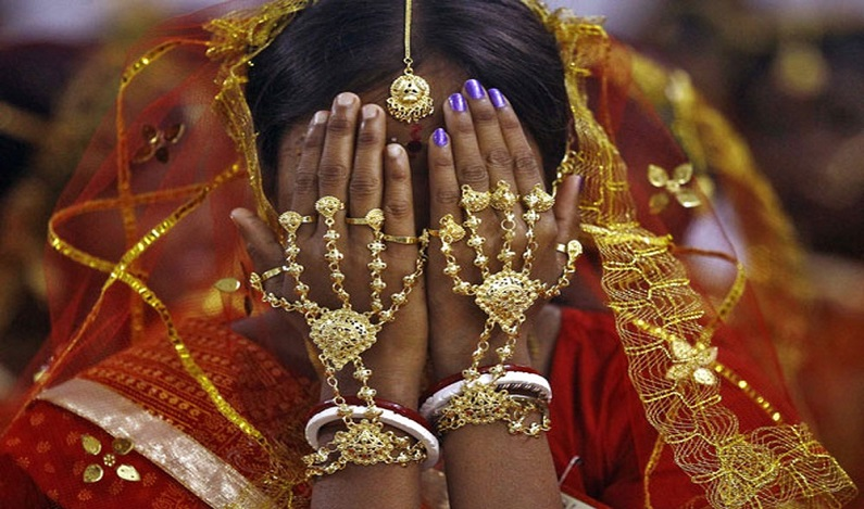 Em decisão histórica, Índia determina que sexo com esposa menor de idade é estupro