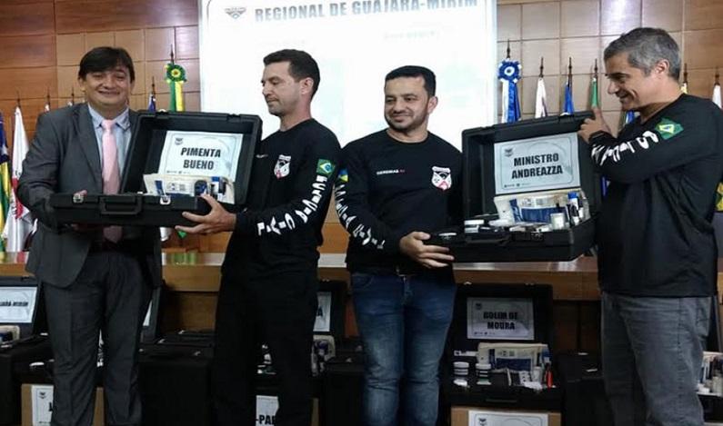 Cleiton Roque participa de entrega de materiais de perícia para Instituto de Identificação Civil e Criminal