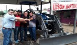Deputado Edson Martins participa de entrega de trator para o município de Monte Negro