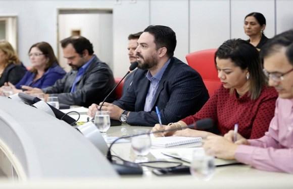 Léo Moraes realiza audiência pública para debater inclusão de pessoas com deficiência
