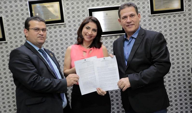 Maurão de Carvalho libera recursos para a realização da FICC em Cacoal