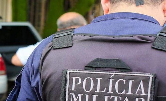 PMs são encontrados mortos dentro de viatura no RJ