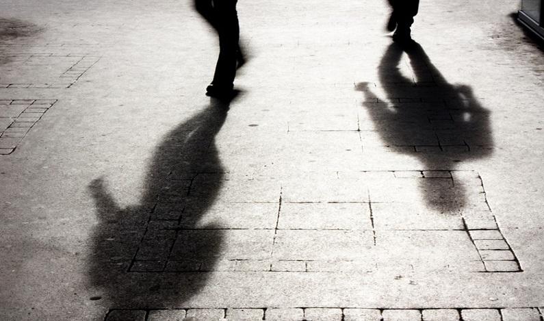 Ministra francesa cria projeto de lei para multar assédio na rua