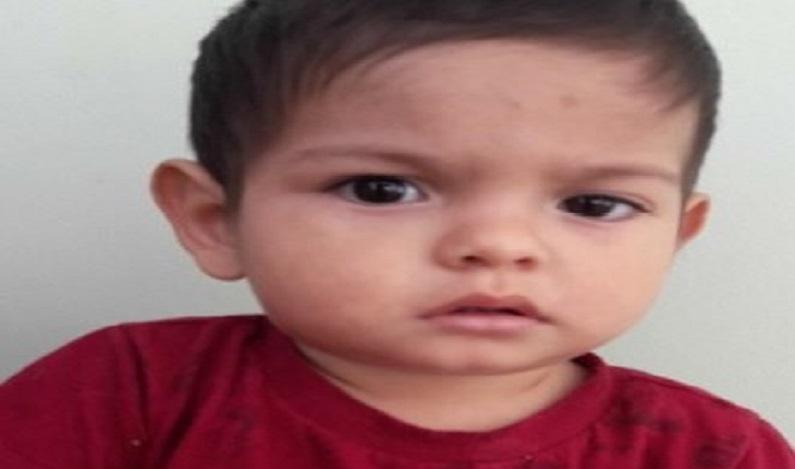 Polícia divulga foto de criança encontrada há 14 dias em Cascavel (PR) e pede ajuda para achar família