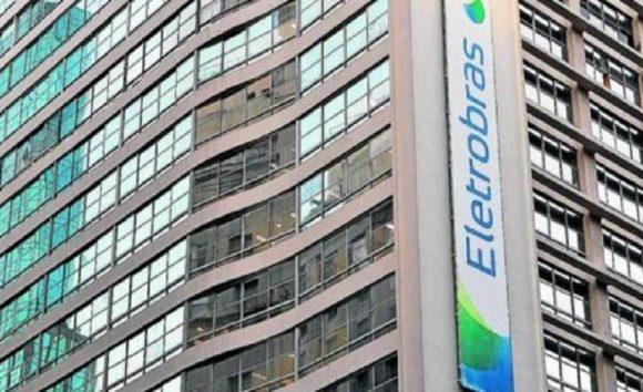 Funcionários da Eletrobras fazem greve contra privatização
