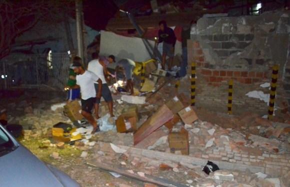 Quadrilha explode prédio de empresa de valores e mata policial civil no interior de SP