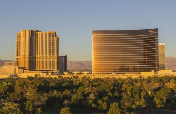 Hotéis de Las Vegas adotam detectores de metal para examinar malas
