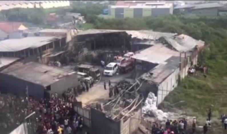 Explosão em fábrica de fogos mata ao menos 27 pessoas na Indonésia