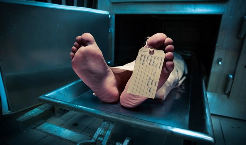 Marido encontra enfermeiro abusando de corpo da esposa morta