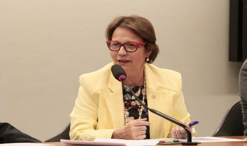 Pressionada, líder do PSB avalia deixar liderança na Câmara