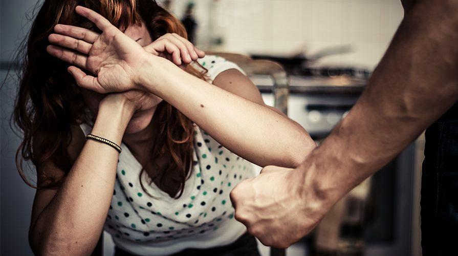 Tribunais julgam 19,7 mil processos de violência contra mulheres