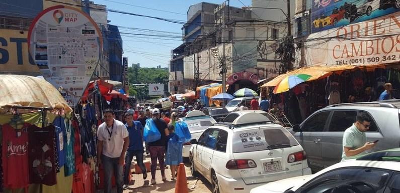 No Paraguai, brasileiro enfrenta fila, confusão e promoção que não existe