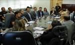 Léo Moraes participa de audiência no TRT para solucionar salários atrasados dos servidores da Caerd