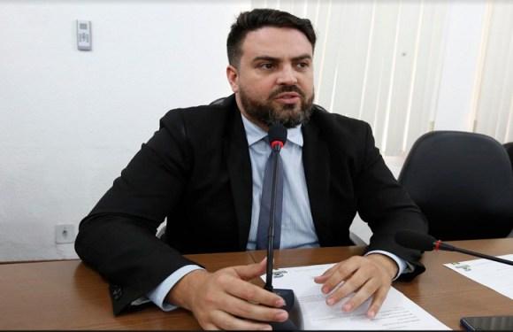 Léo Moraes indica encascalhamento em pontos críticos da Estrada da Penal