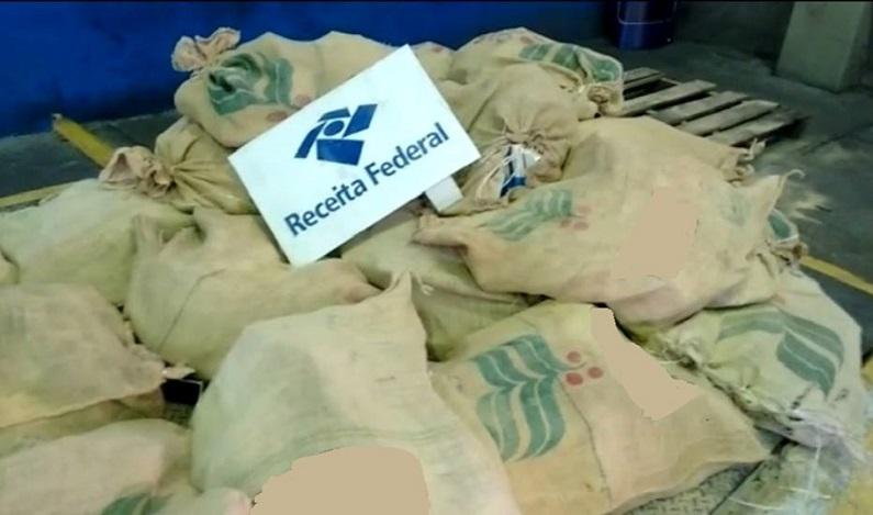 Receita Federal apreende 935 kg de cocaína no Porto de Santos