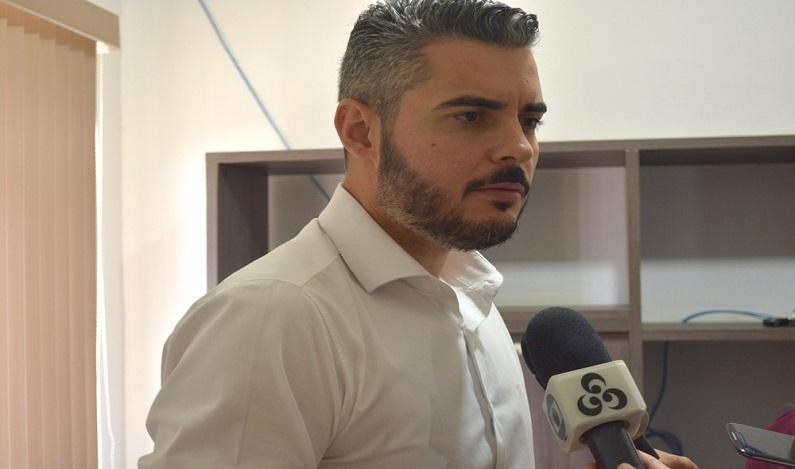 Prefeitura exonera 5 secretários por falta de recursos em Ariquemes, RO