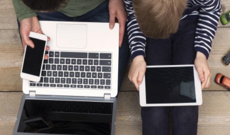 Ficar com o computador no colo pode fazer mal à saúde; entenda
