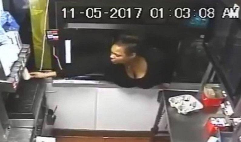 Mulher invade McDonald's pela janela do drive-thru e rouba lanches