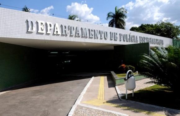 Policial Civil e PM aposentado extorquiam pessoas com mandados de prisão em aberto; eles foram presos nesta quarta