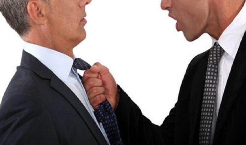 Homem é condenado por agredir juiz em audiência de processo por desacato