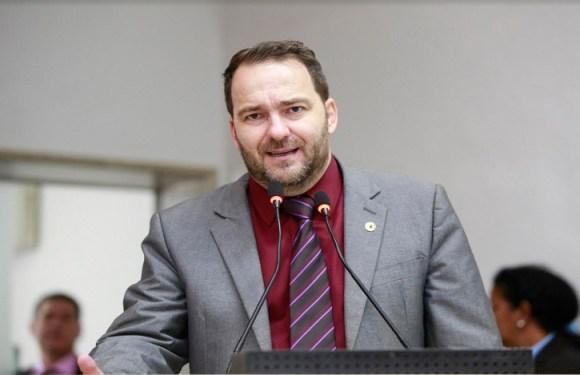 Alex Redano pede apoio para apresentação de projeto de lei sobre os apenados